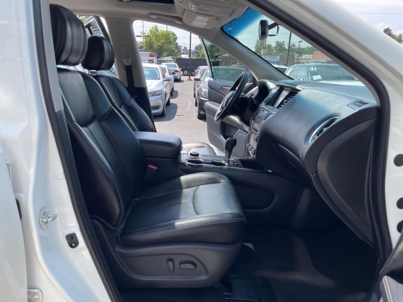 Nissan Pathfinder 2017 price $27,990