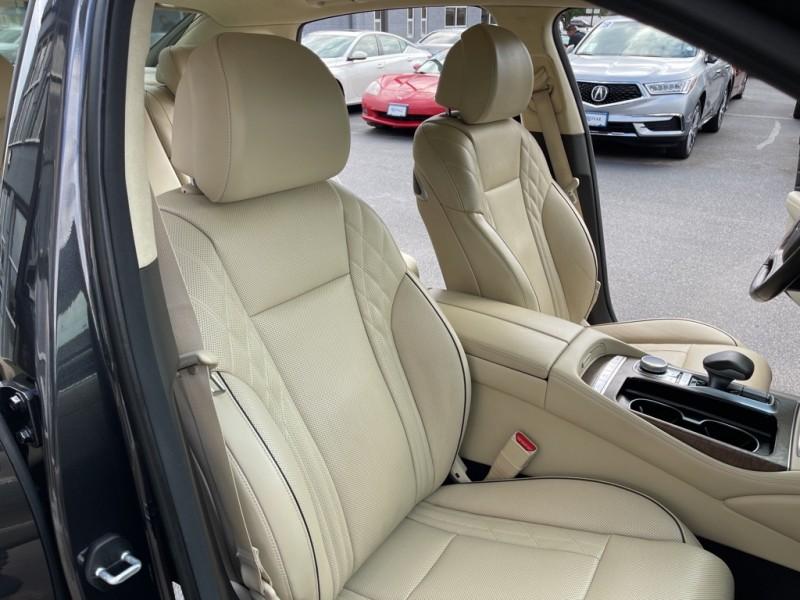 Kia K900 2019 price $42,590