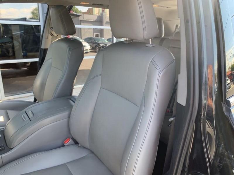 Toyota Highlander 2019 price $36,990