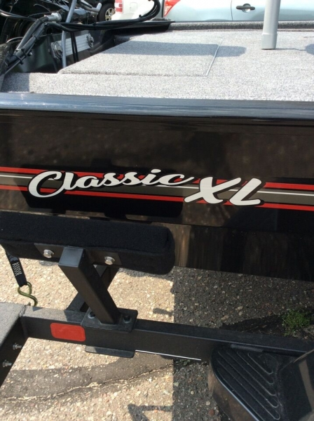 Tracker CLASSIC XL 2021 price $11,995