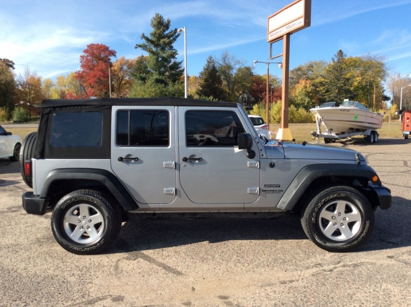 Jeep Wrangler Unlimited 2016 price $25,995
