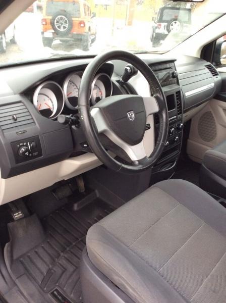 Dodge Grand Caravan 2008 price $4,595