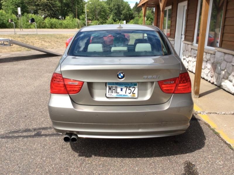 BMW 3 Series 2011 price $10,987