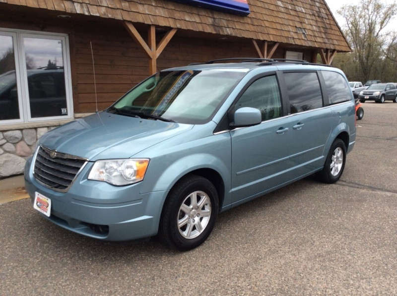 Chrysler Town and Country 2008 price $4,995