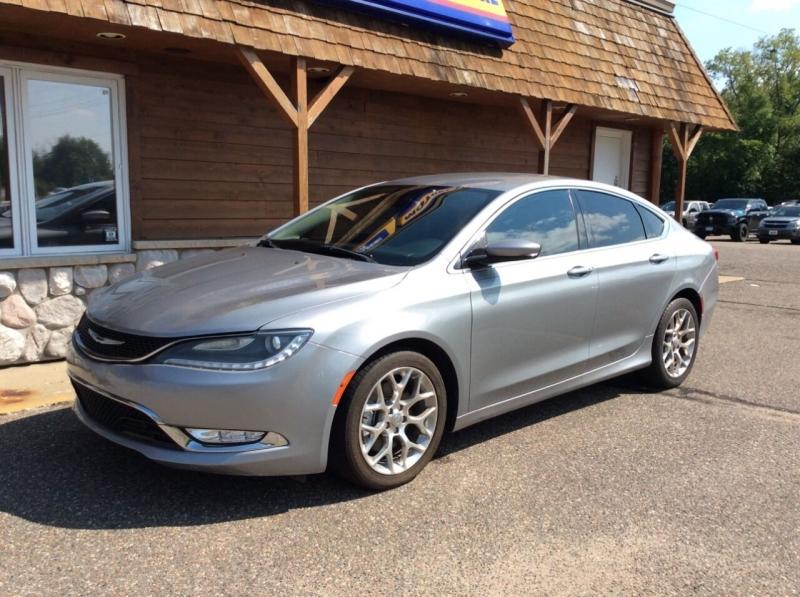 Chrysler 200 2015 price $16,995