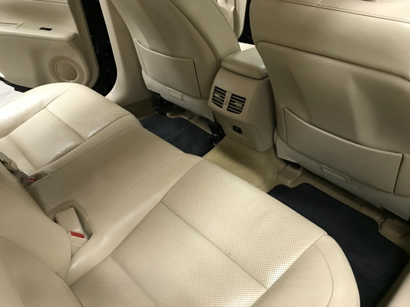 Lexus ES 300h 2013 price $17,500