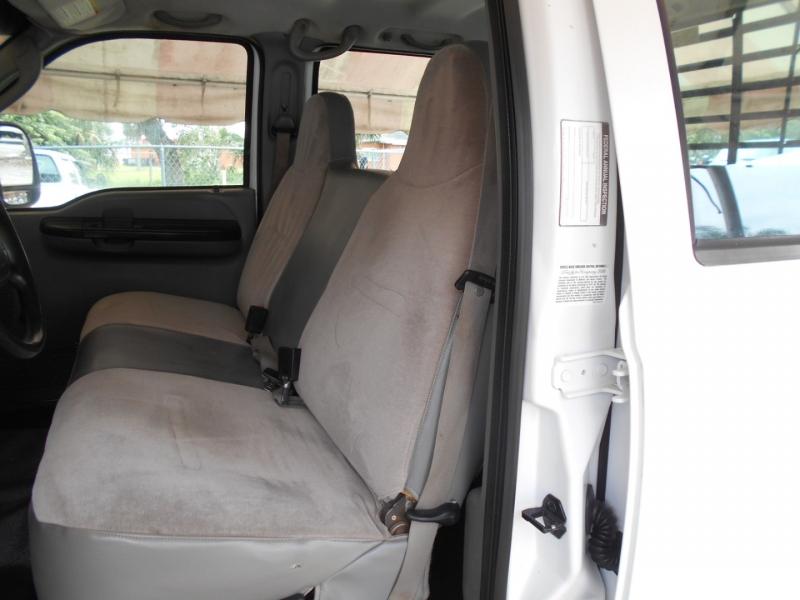 Ford Super Duty F-350 SRW 2006 price $16,999