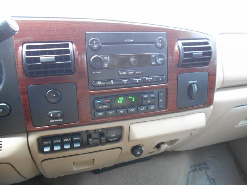 Ford Super Duty F-350 DRW 2006 price $17,999