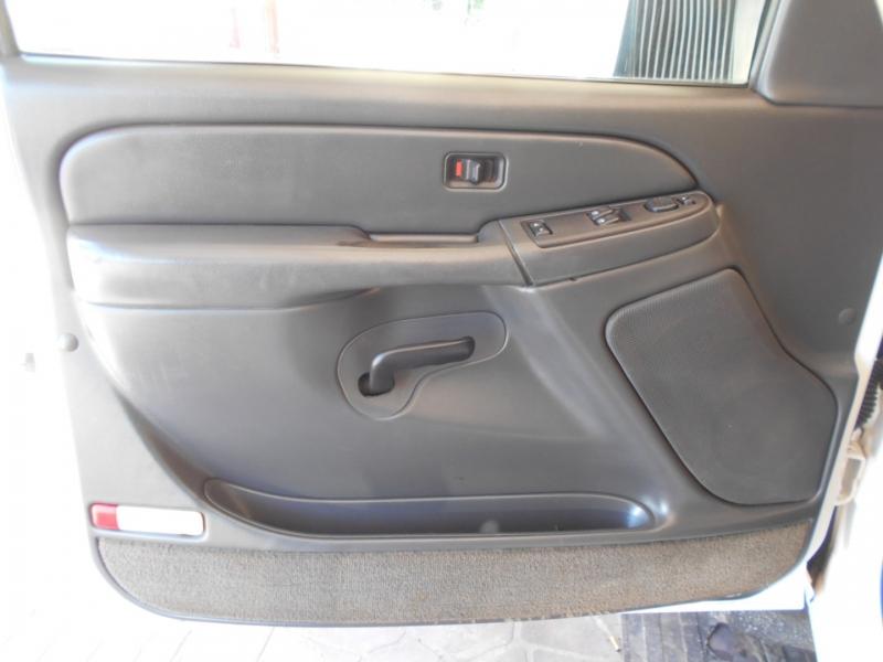 Chevrolet Silverado 3500 2004 price $14,999