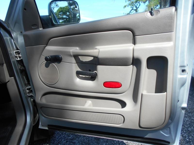 Dodge Ram 2500 2004 price $18,999