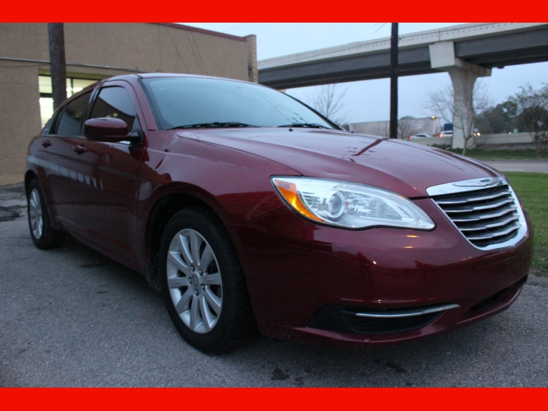 Chrysler 200 2014 price $5,599