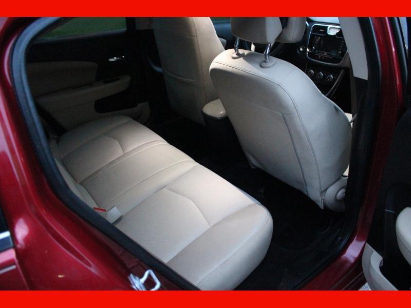 Chrysler 200 2014 price $5,599