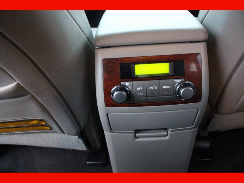 Toyota Highlander 2011 price $14,299