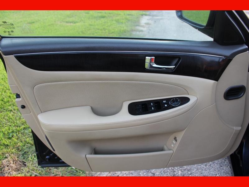Hyundai Genesis 2011 price $6,500