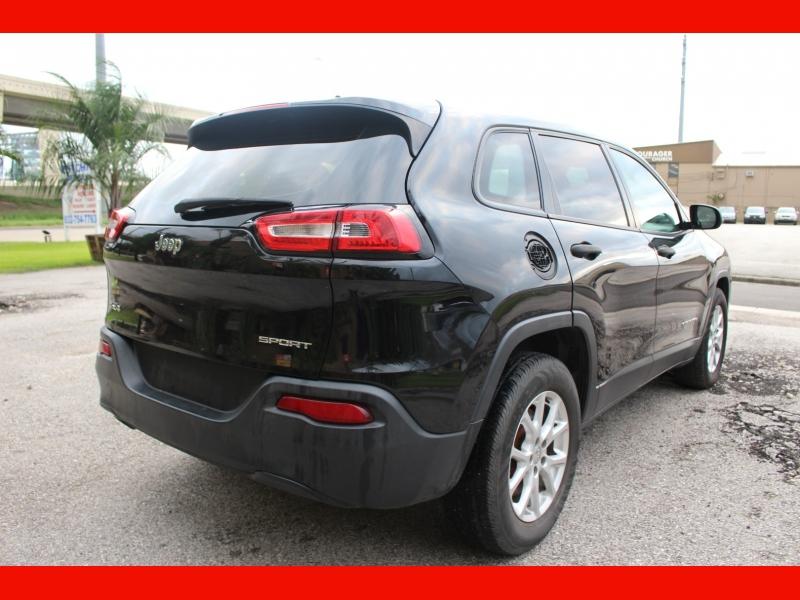 Jeep Cherokee 2015 price $8,699