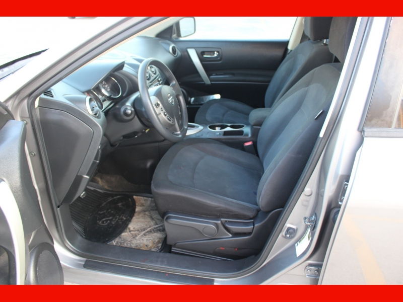 Nissan Rogue Select 2015 price $6,399