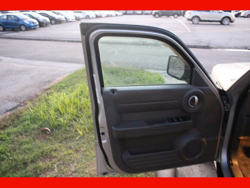 Dodge Nitro 2009 price $4,699