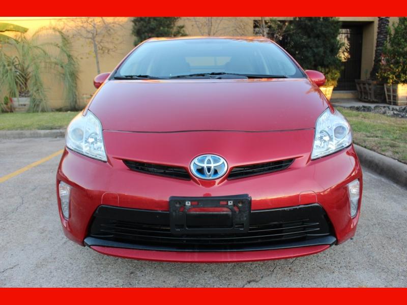 Toyota Prius 2014 price $8,000
