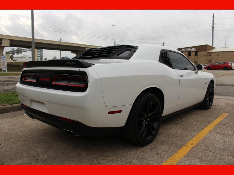 Dodge Challenger 2016 price $15,999