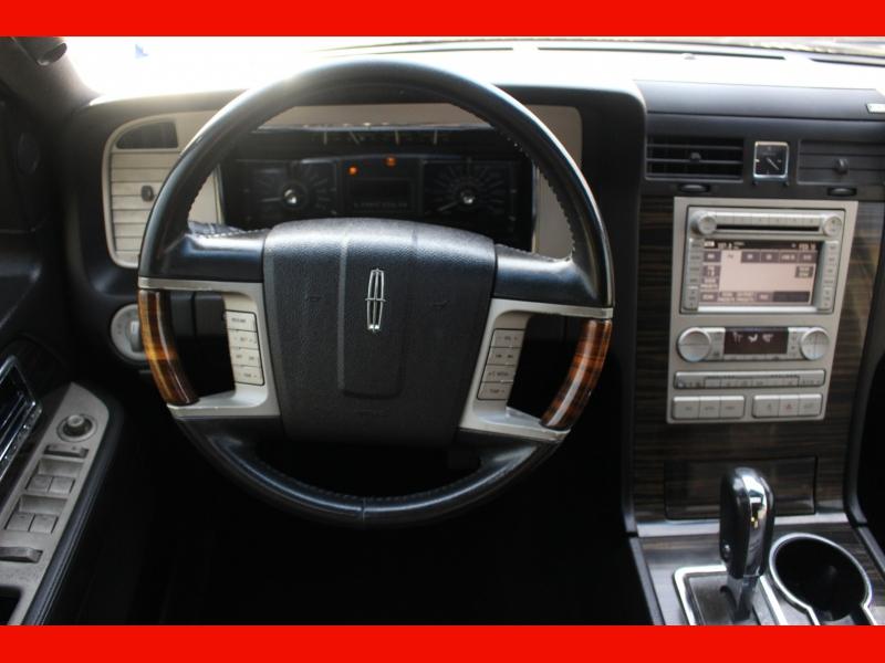 Lincoln Navigator L 2008 price $6,499