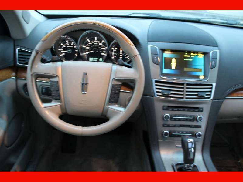 Lincoln MKT 2010 price $7,499