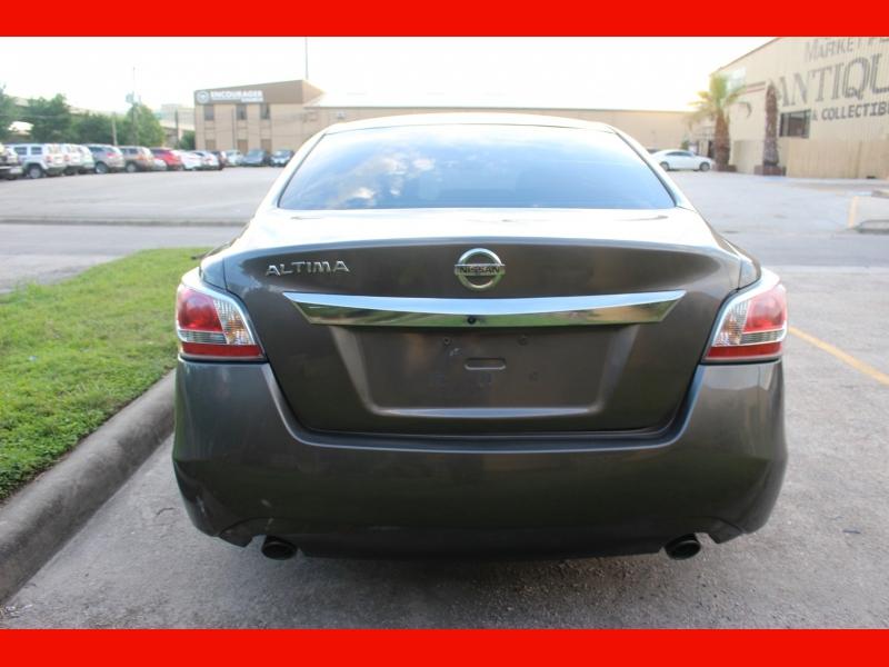 Nissan Altima 2014 price $9,988