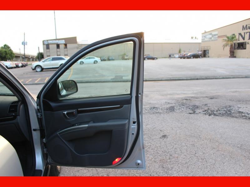 Hyundai Santa Fe 2011 price $6,999