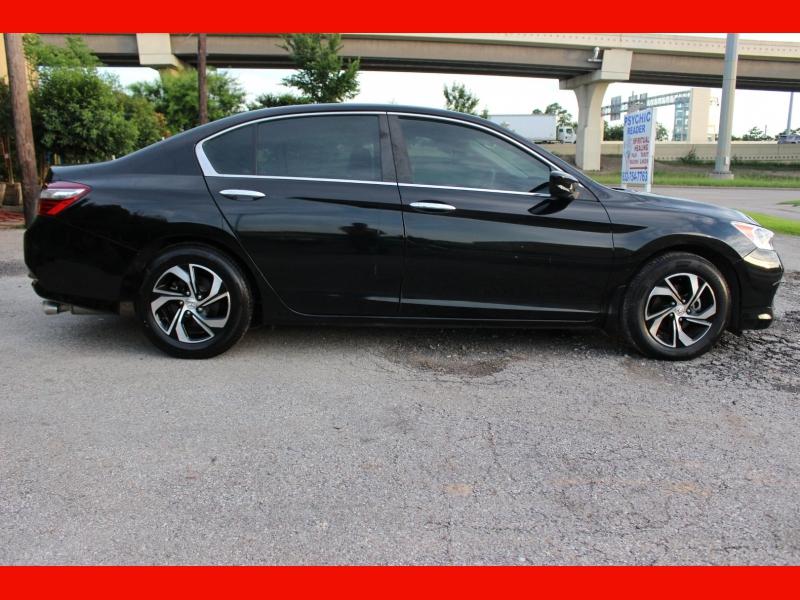 Honda Accord Sedan 2017 price $13,500