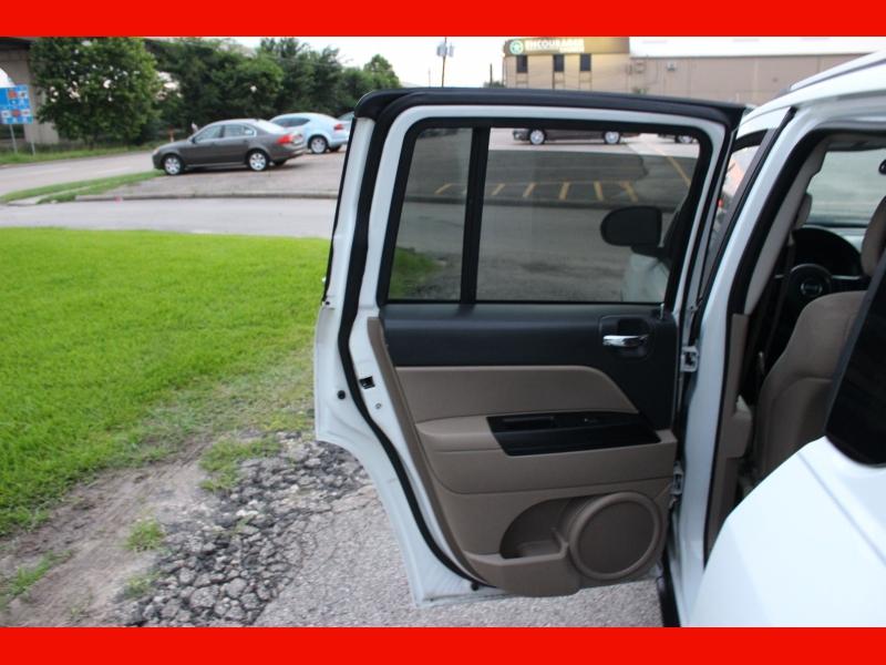 Jeep Compass 2011 price $6,899