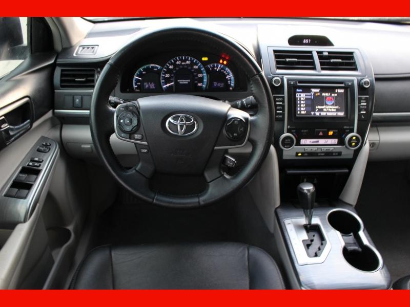 Toyota Camry Hybrid 2014 price $9,499