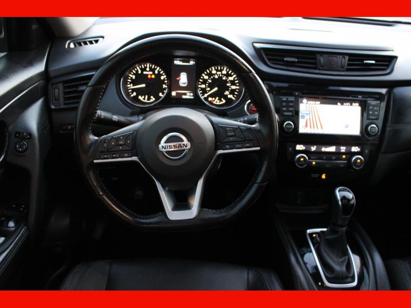 Nissan Rogue 2017 price $14,999