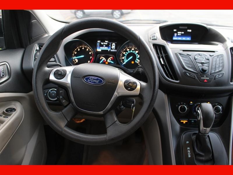 Ford Escape 2016 price $12,999