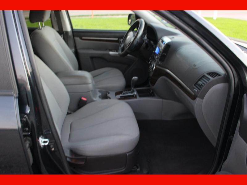 Hyundai Santa Fe 2010 price $8,000