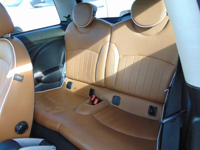 Mini Cooper Hardtop 2010 price $6,395