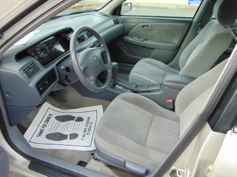 Toyota Camry 2001 price $4,995