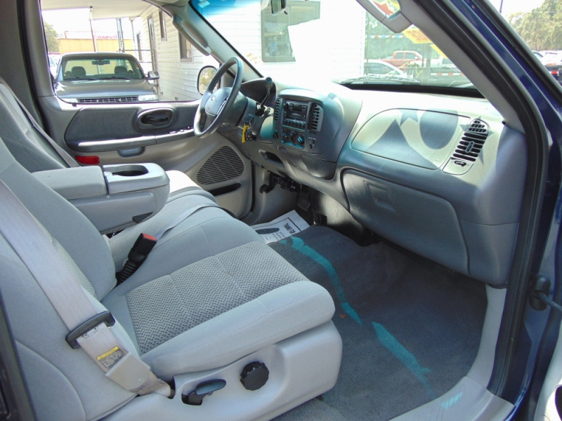Ford F-150 Heritage 2004 price $9,595