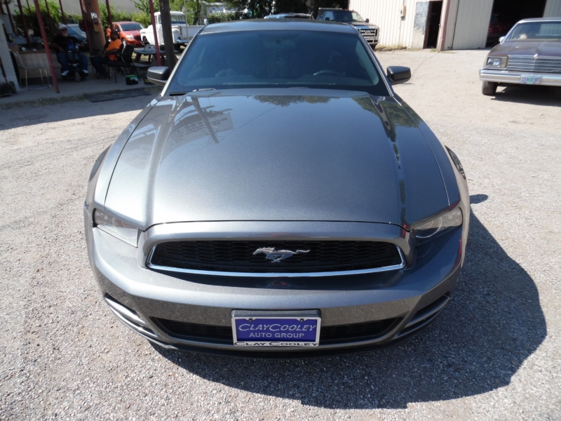 Ford Mustang 2013 price $9,999 Cash