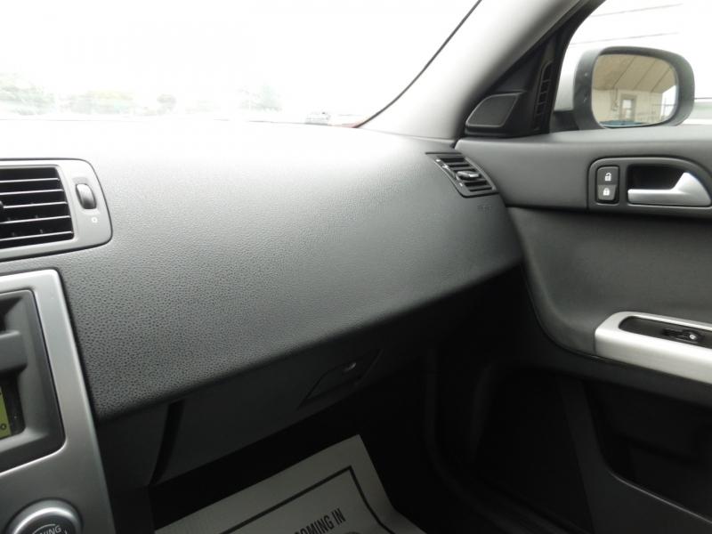 Volvo S40 2010 price $6,999 Cash