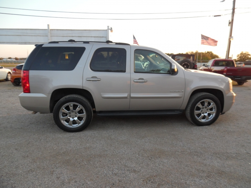 GMC Yukon 2008 price $11,999 Cash