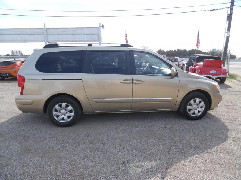 Hyundai Entourage 2007 price $5,999 Cash