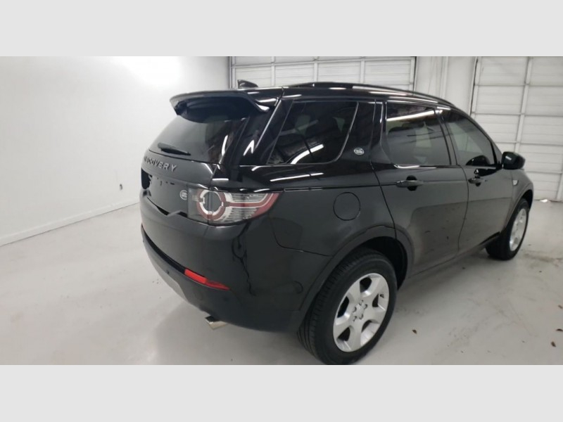 Land Rover Discovery Sport 2017 price $30,350