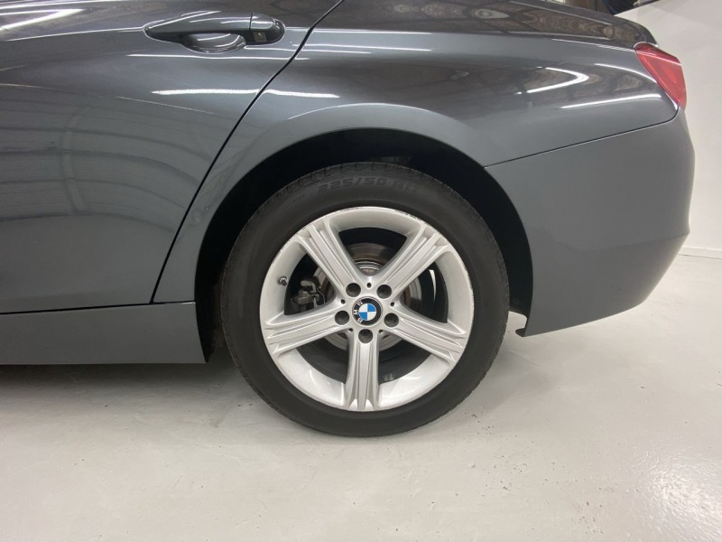 BMW 320i xDrive 2014 price $13,300