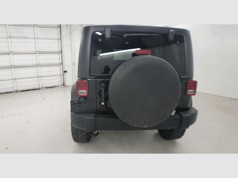 Jeep Wrangler Unlimited 2014 price $27,990