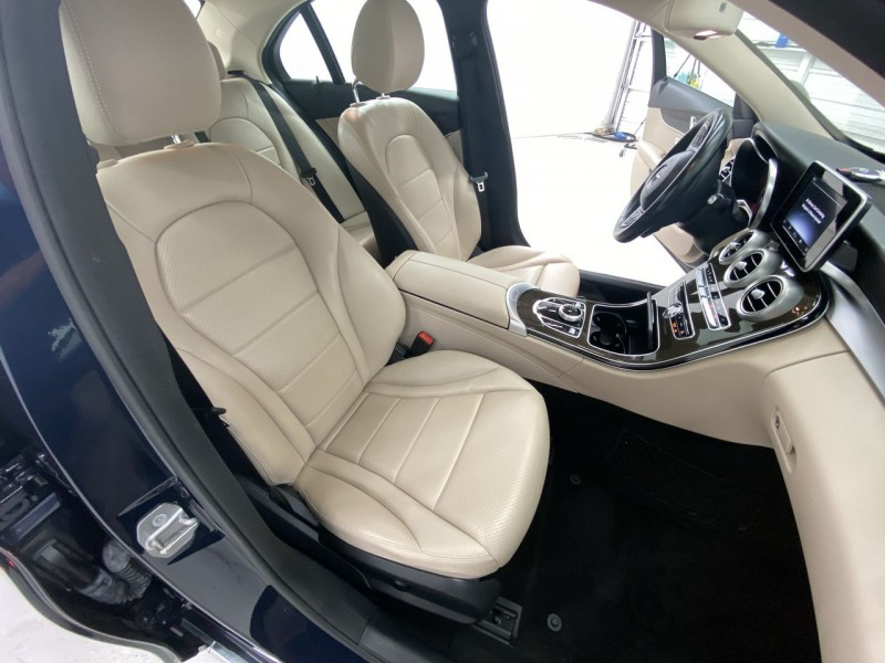 Mercedes-Benz C300 2017 price $27,100