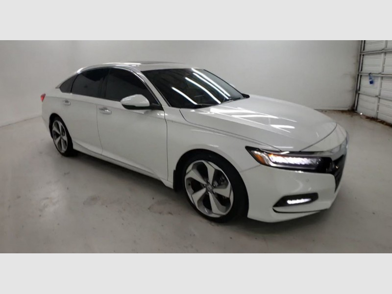 Honda Accord Touring 2018 price $25,600