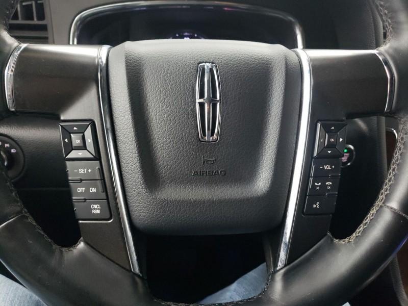 Lincoln Navigator L 2015 price $23,300
