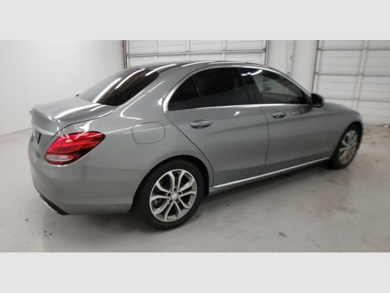 Mercedes-Benz C300 2016 price $19,750