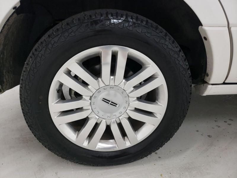 Lincoln Navigator 2014 price $18,750
