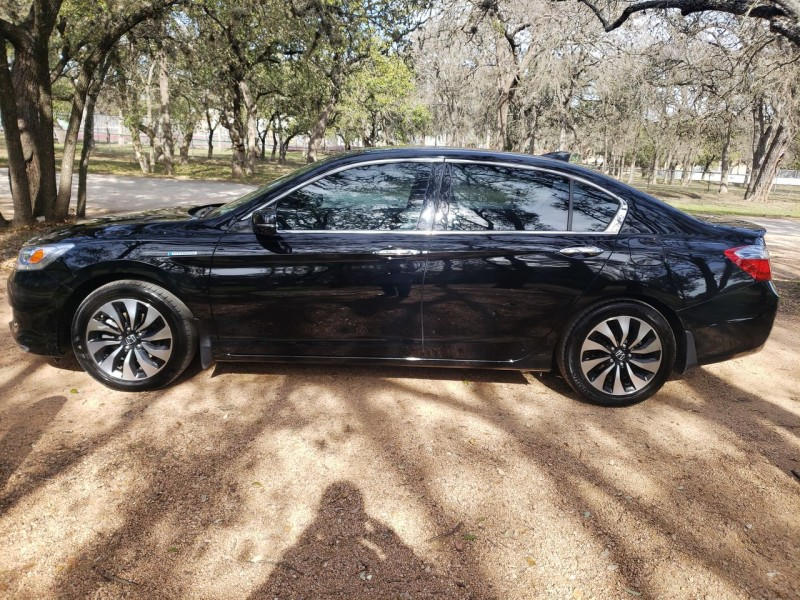 Honda Accord Hybrid Touring 2014 price $14,400