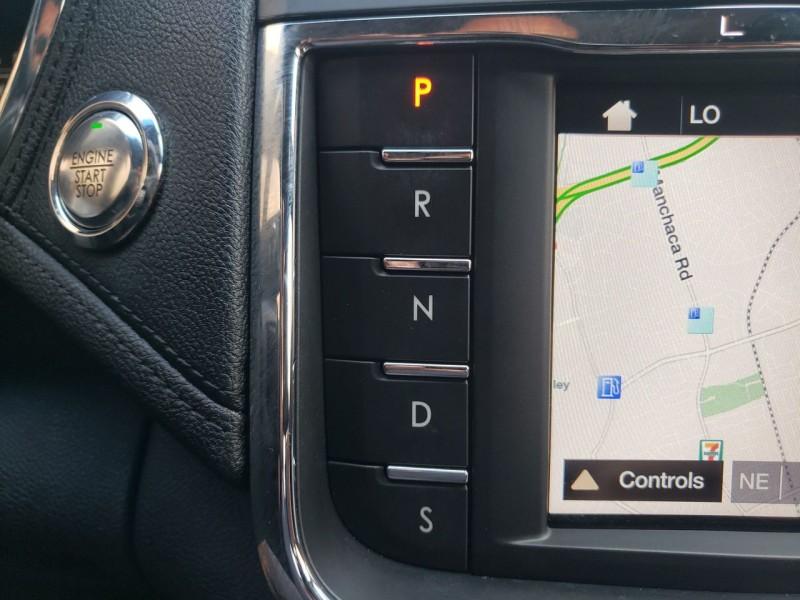 Lincoln Continental 2017 price $26,300
